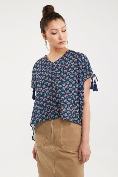Oversized top with drawstring