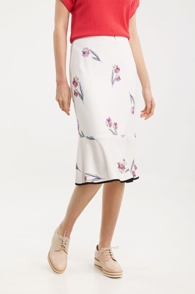 Floral printed skirt with frill