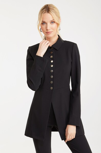 Fitted jacket with snaps